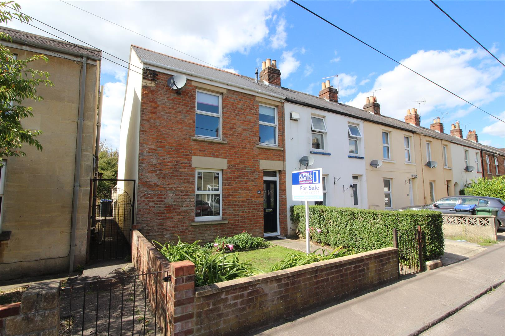 3 Bedrooms End Of Terrace House for sale in Parliament Street, Chippenham